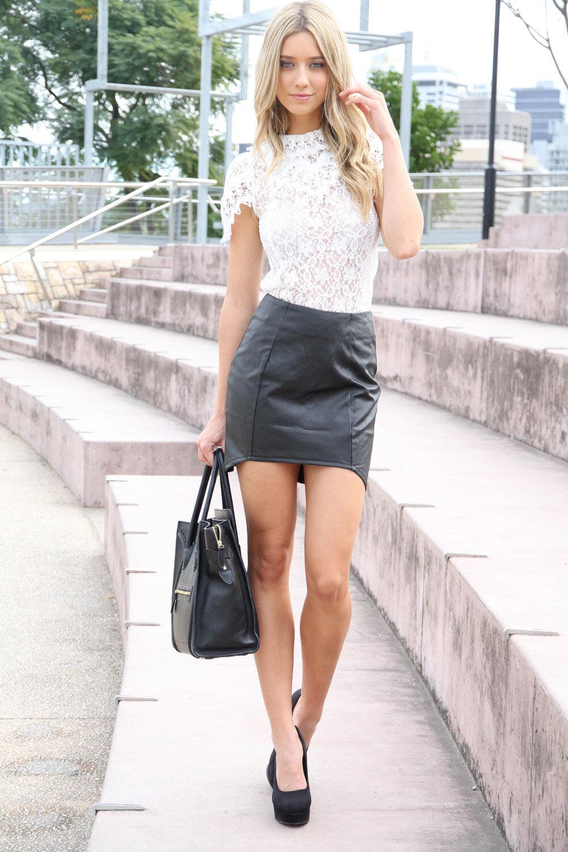 lady-in-mini-skirt