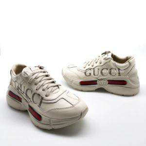 8eaade564b0d Кроссовки Rhyton Gucci logo leather sneaker. Vs Сайт производителя... 🛍  http