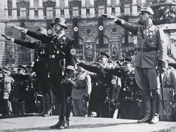 Картинка с фашистами