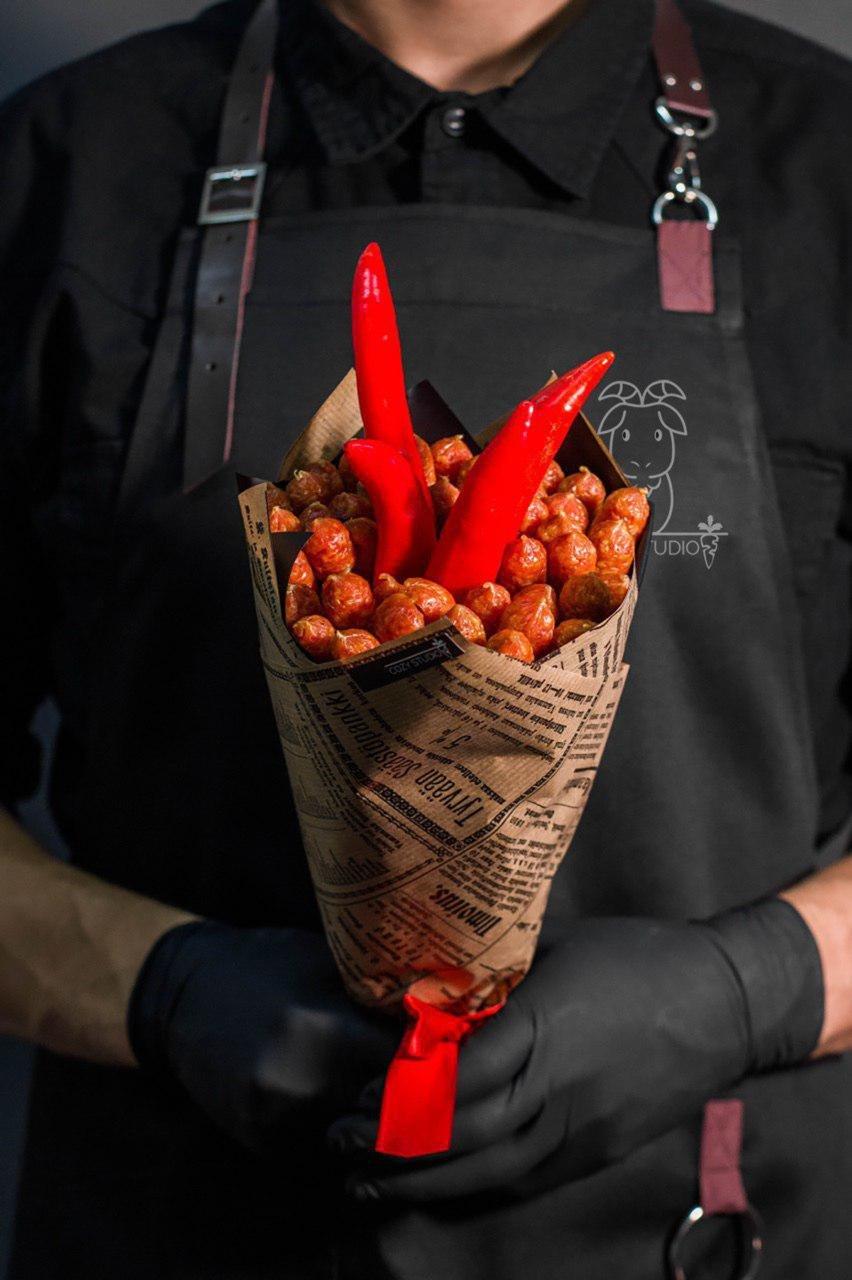 Букеты недорого для мужчин из еды своими руками, цветов подарков