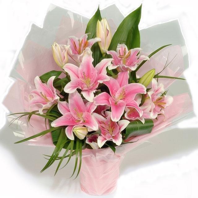 Букетами, открытка с днем рождения девушке цветы лилии