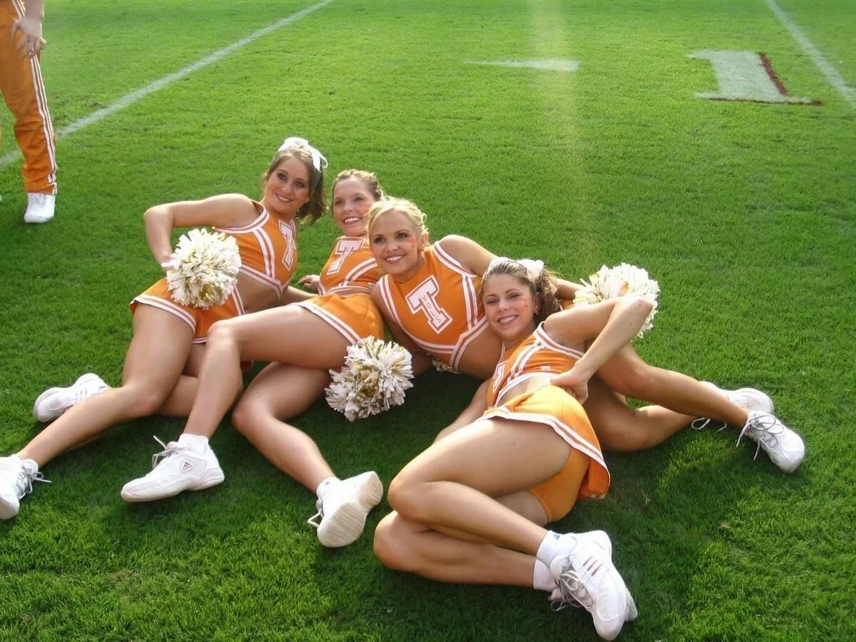 Free young cheerleader pictures — pic 7