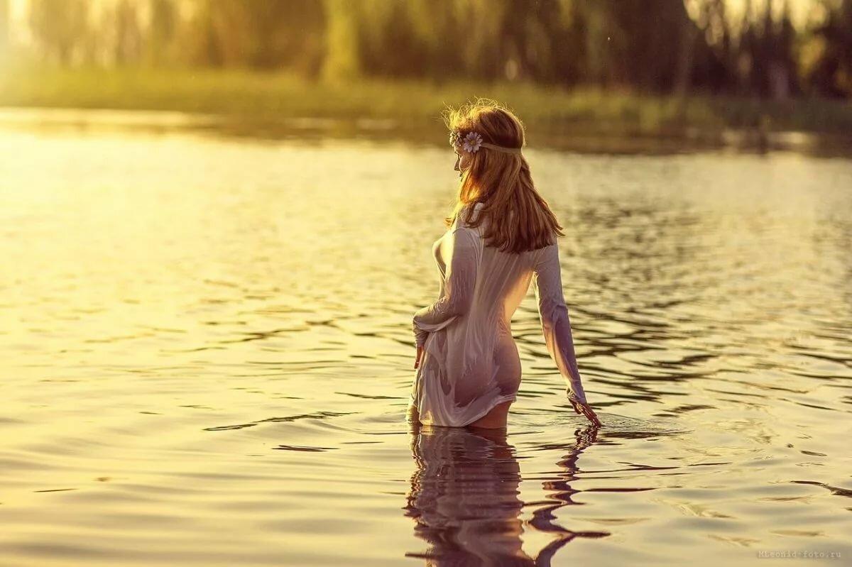 Секса женщины в речке купались фото мужчина эротическое российское