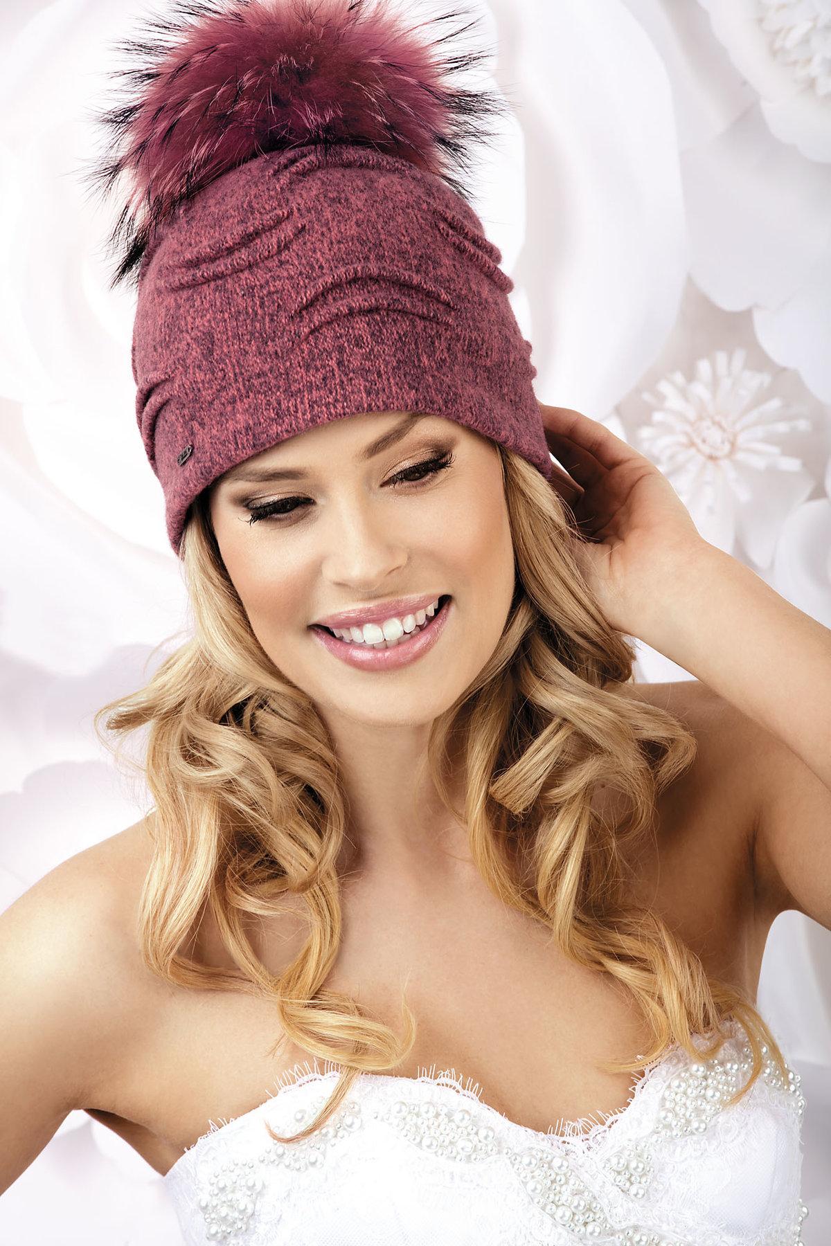 купить женскую шапку в интернет магазине