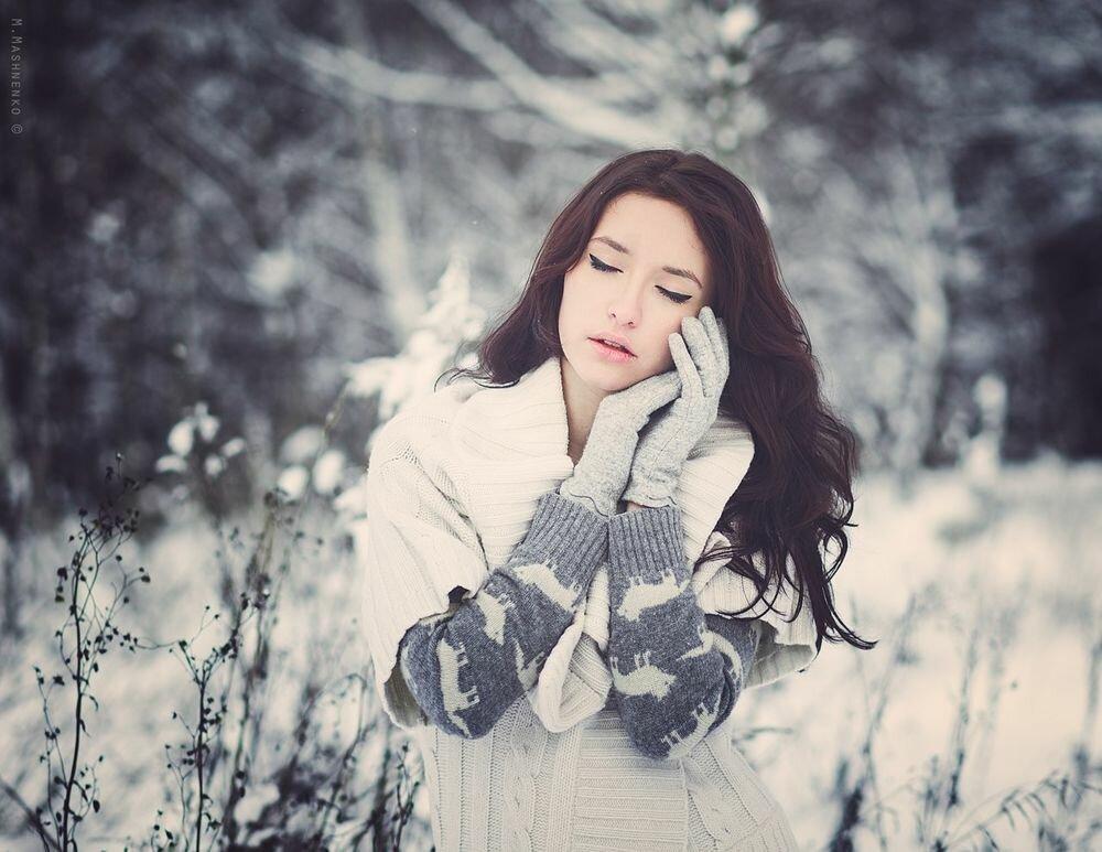 Картинки брюнетки зимой