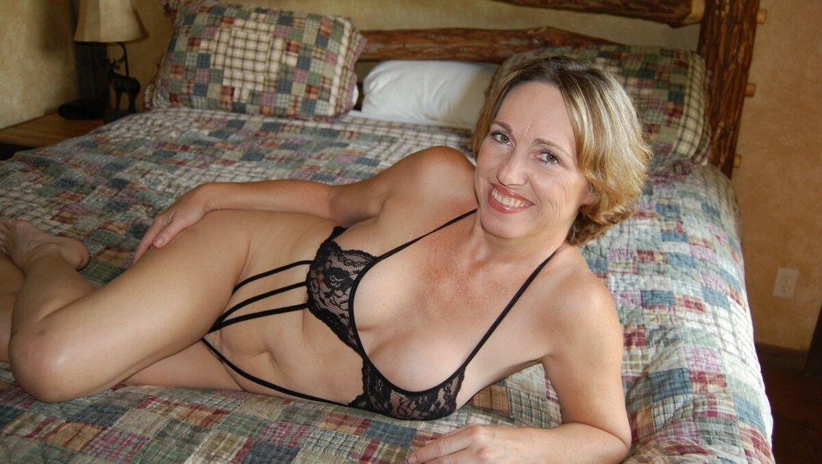 домашние фото зрелых сексуальных женщин - 8