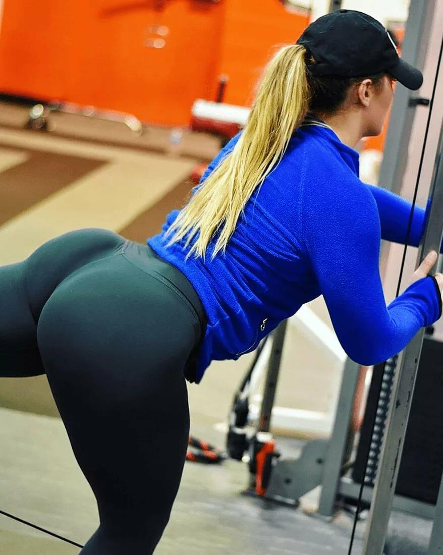 Athletic legging flattering legging