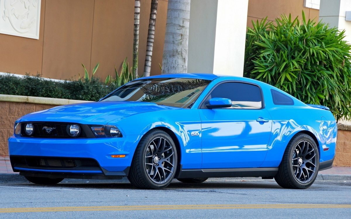 форд мустанг синего цвета фото бесплатно широкоформатные картинки