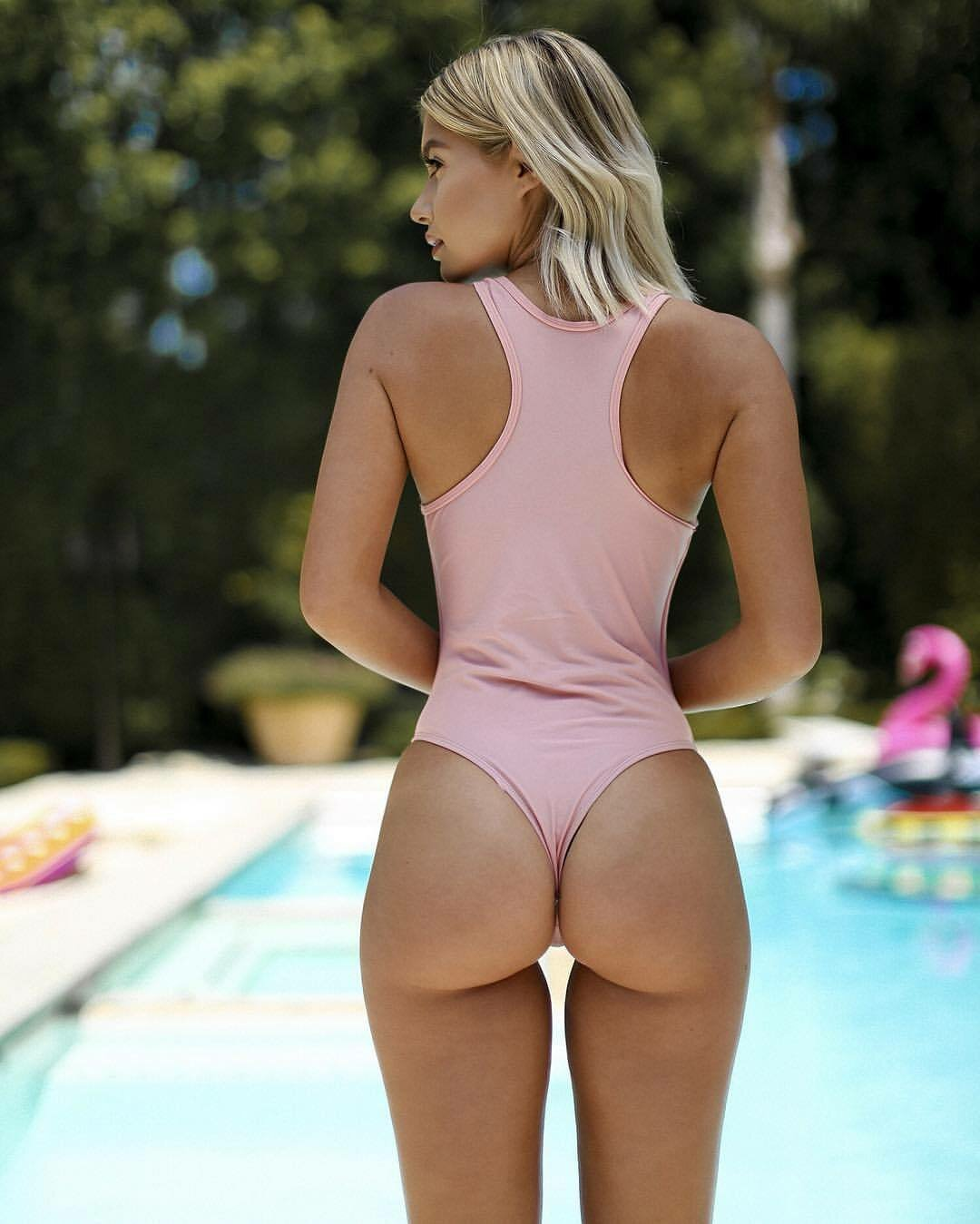 Teen girl buttocks — pic 15