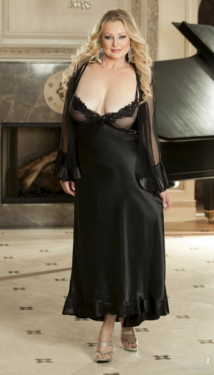 Married Petite Little Milf With Curves