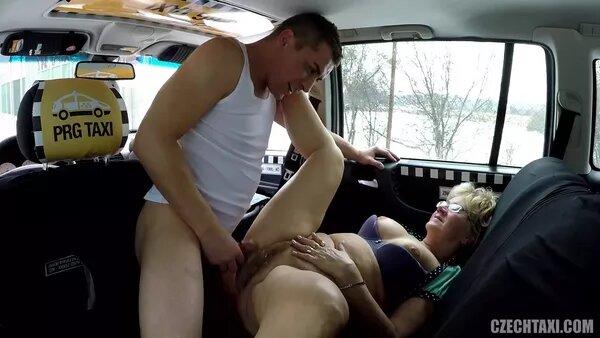 Зрелую тетку в такси, обертка из веревок бдсм