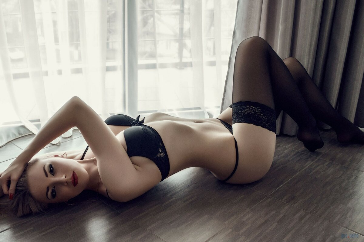 Сессии эротика красивое белье, секс с женой и подругой подругой