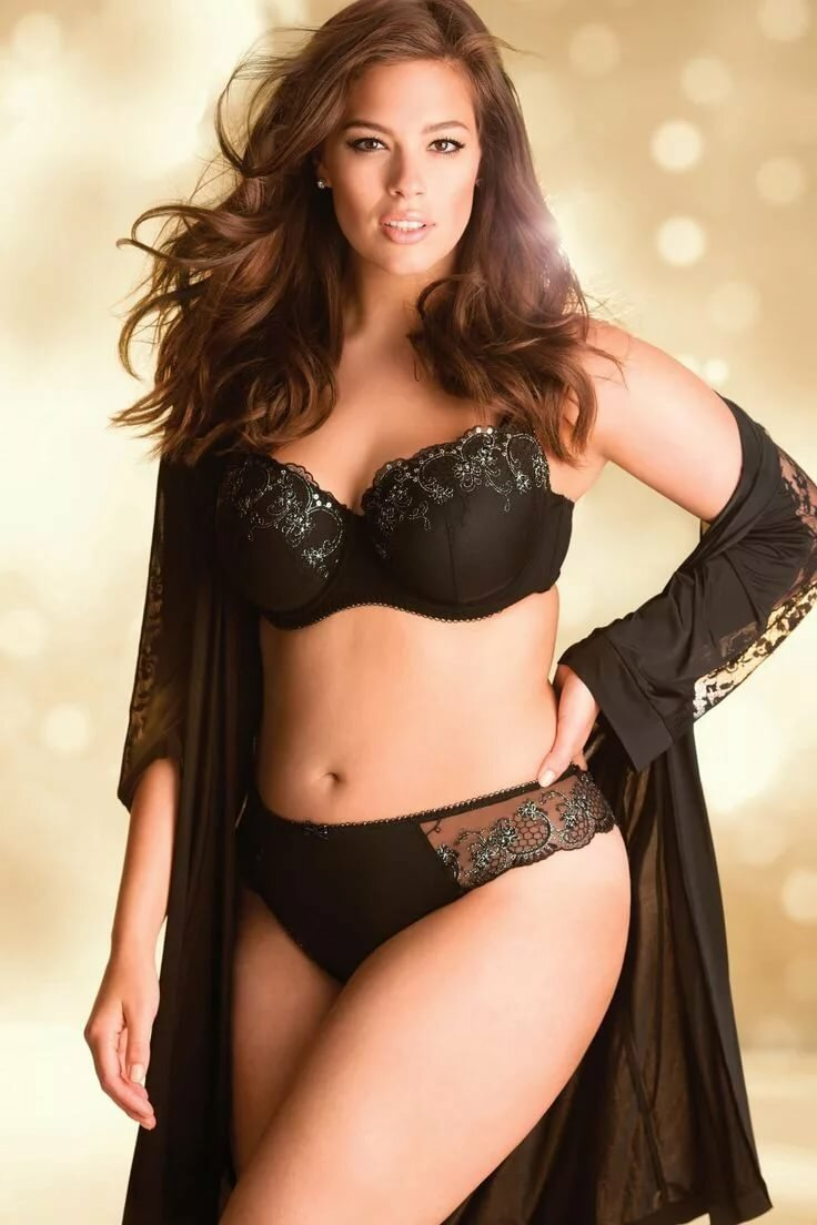 Plus size girls in lingerie — 4