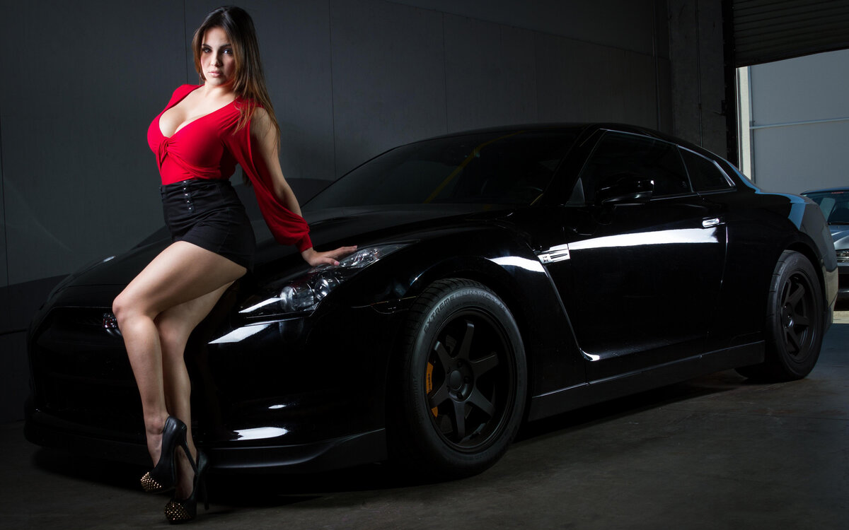 Pics of girls and cars — photo 13