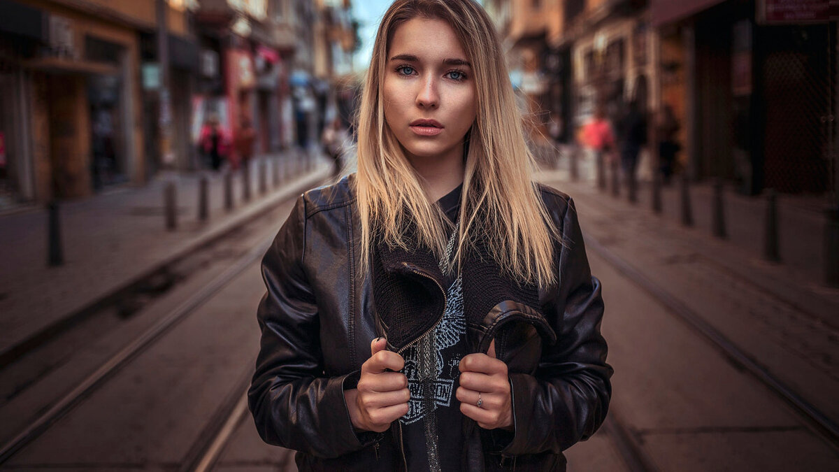 Портрет на улице фото объем