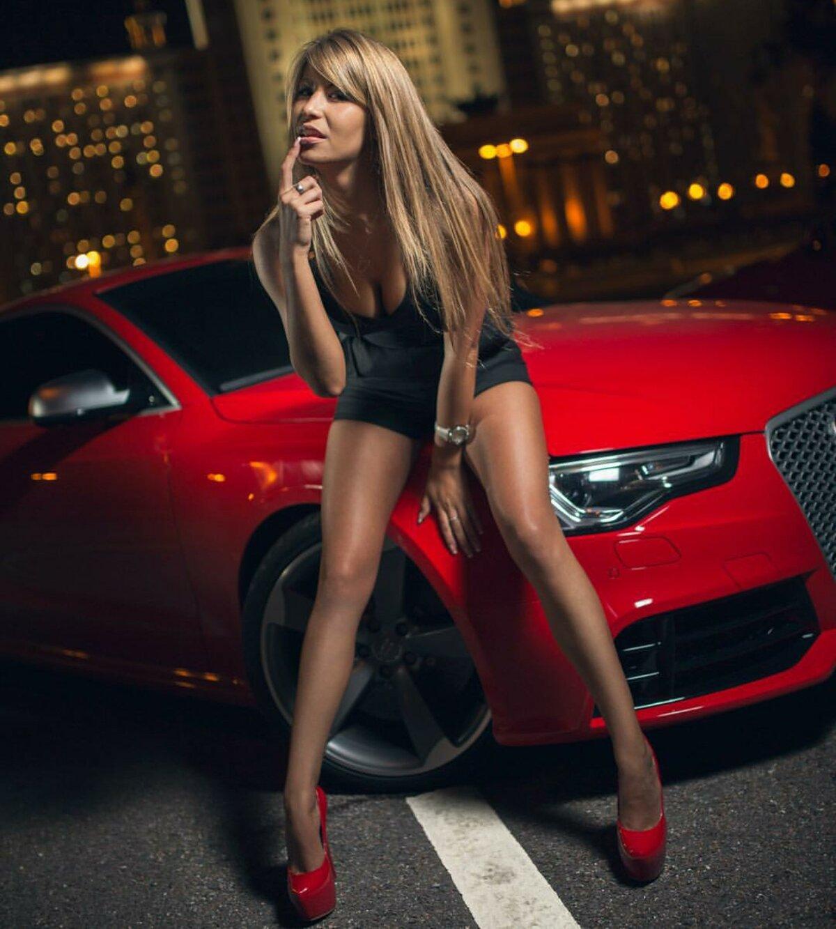 Девушка у машины картинка