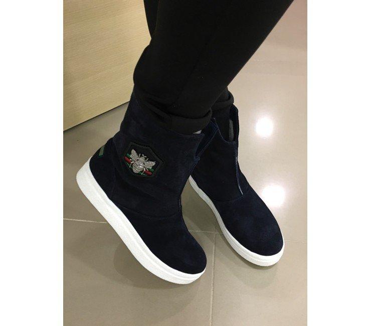 37f01b1a9a69 Ботинки зимние Gucci женские. Интернет магазин мужской и женской спортивной  обуви от Подробнее по ссылке
