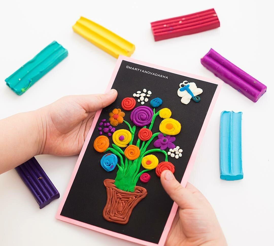 Как сделать открытку из картона и пластилина