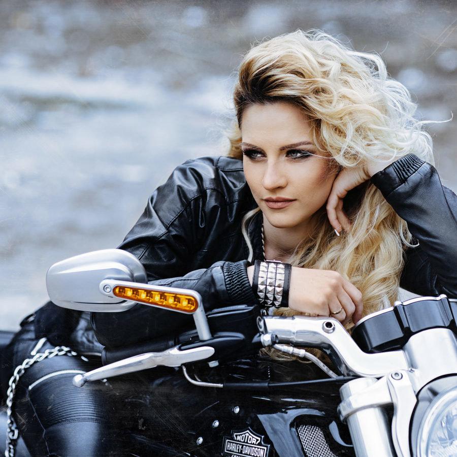 блондинки на мотоцикле фото зарегистрированные