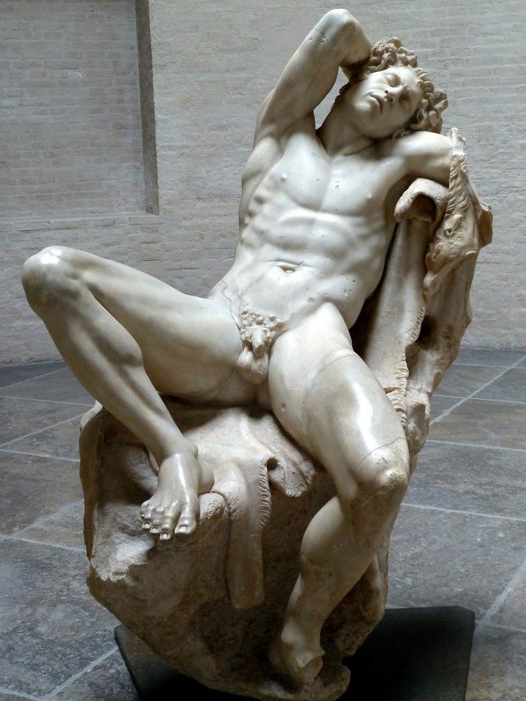 big-naked-greek-statue-guys-facesit-clip-small