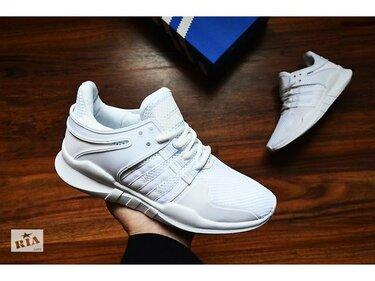 Серебристые женские кроссовки » — карточка пользователя ... e832a2af9e5fb