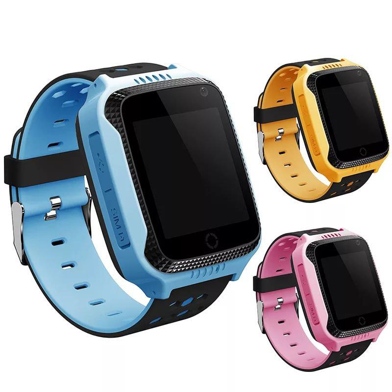 Поскольку часы можно применять в качестве полноценного телефона, то предусмотрен один слот для sim-карты и один слот для карты памяти.