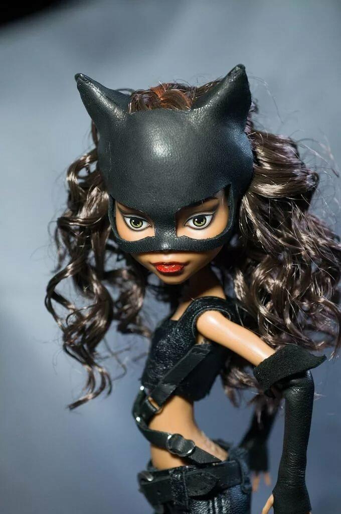 Кукла женщины кошки