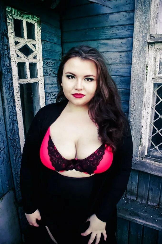 пышная русская красавица многих женщин