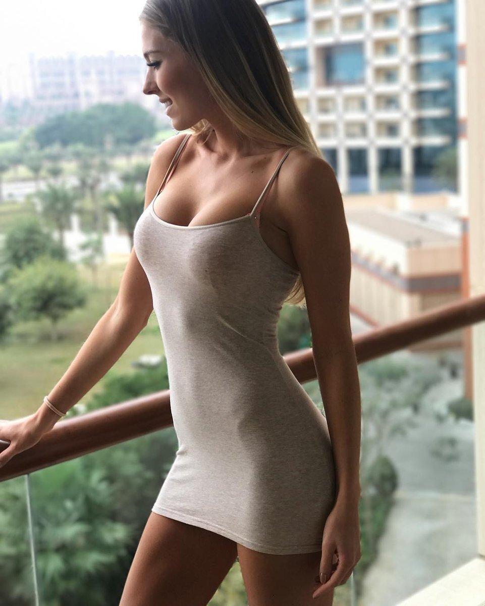 девушка в облегающем платье эро фото - 4