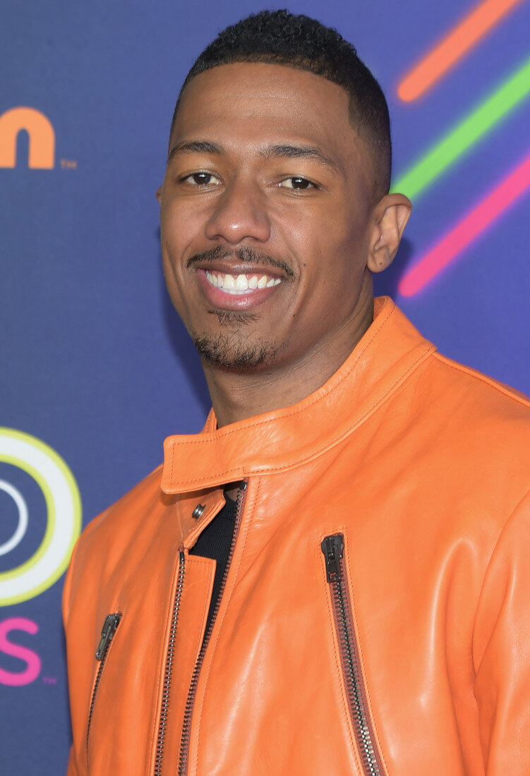 nick cannon - 698×1024