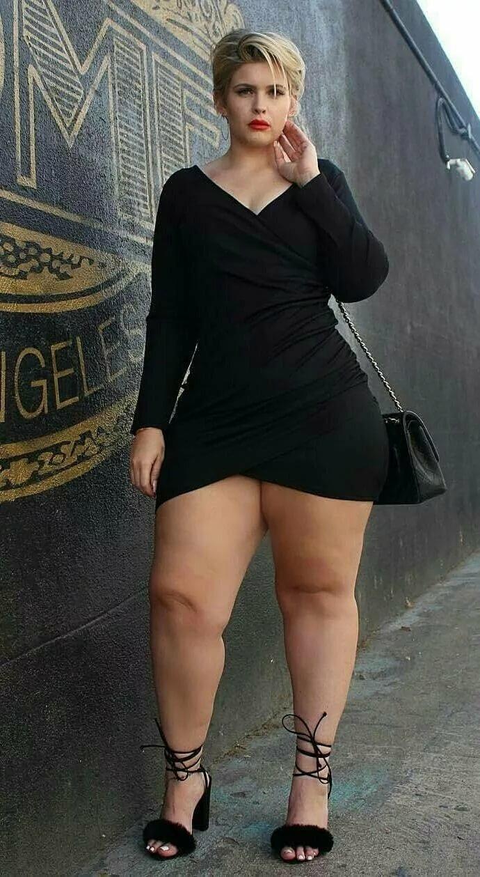 Жена с толстыми ляжками, порно скайп чаты онлайн