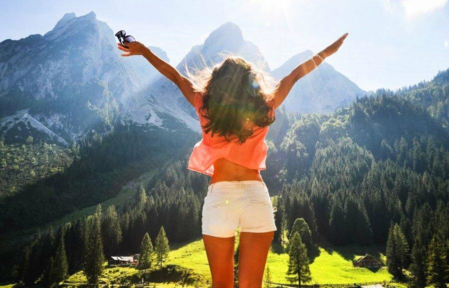 Картинки счастливой девушки на аву, картинки интересные картинки