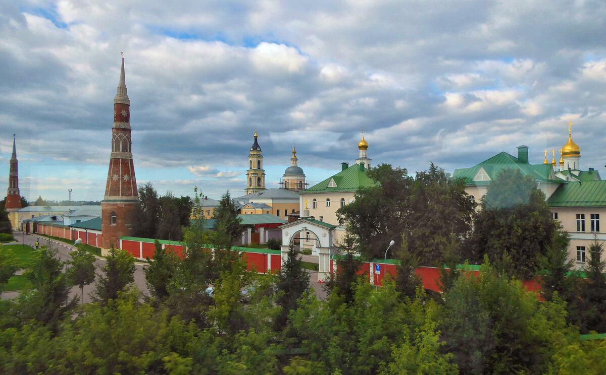 старо голутвинский монастырь фото фоне которой