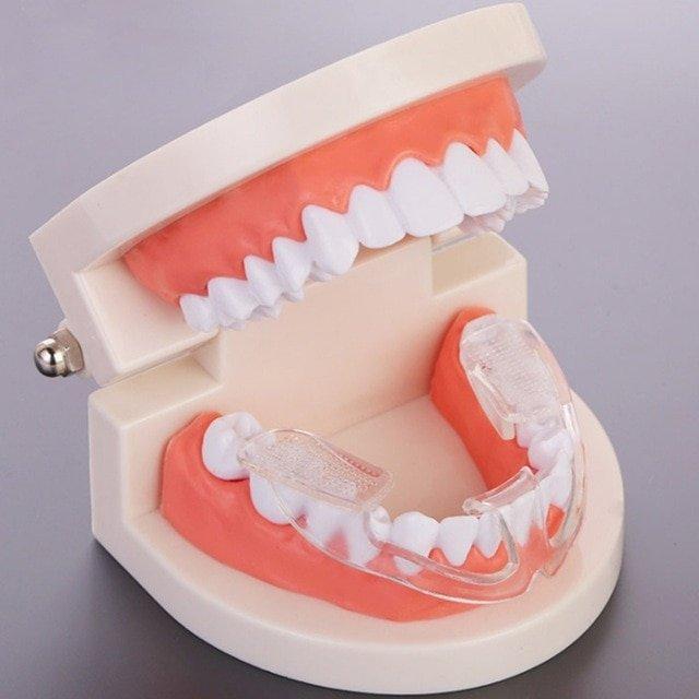 Капа Dental Trainer для выравнивания зубов. Капы для выравнивания зубов    капа для зубов Перейти 0be23da1867
