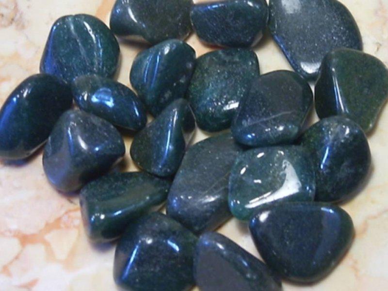 Полудрагоценный камень серого цвета фото значение