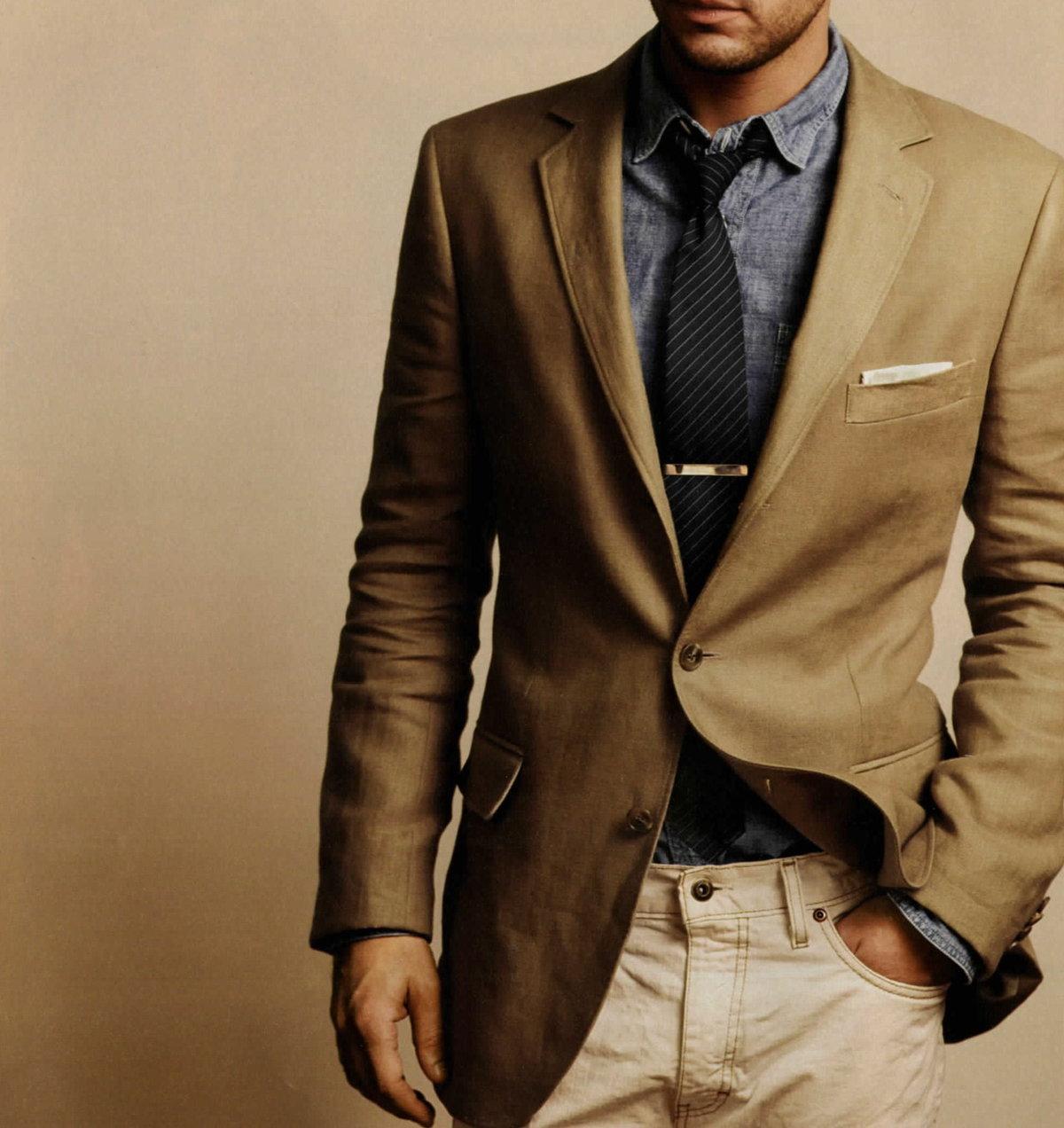 самые модные костюмы фото мужские коричневый цвет рада, что