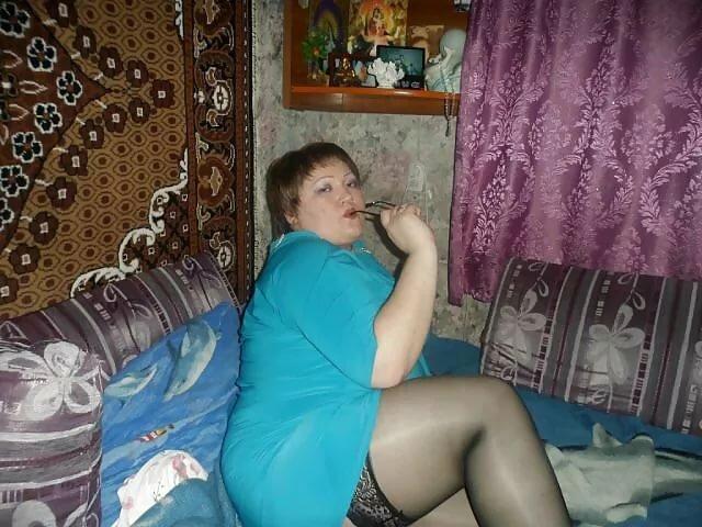 Русское русские толстушки под юбкой