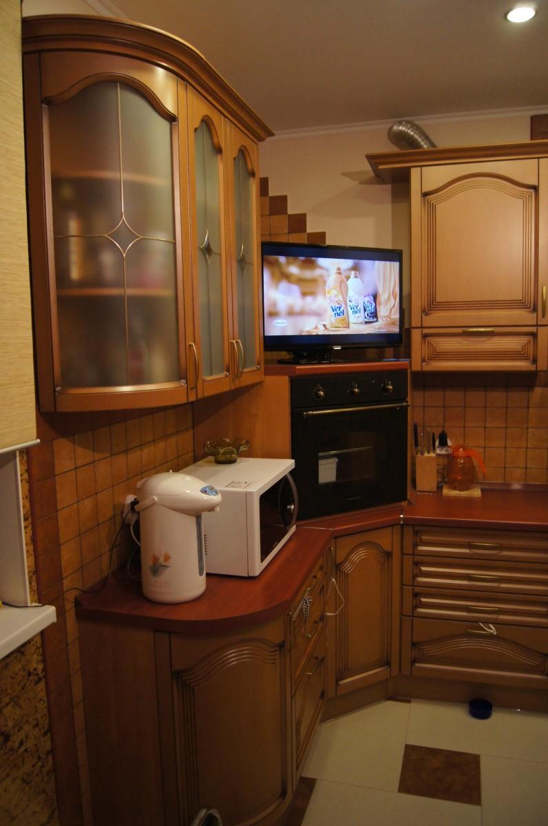угловые кухни в углу духовой шкаф фото набор станет