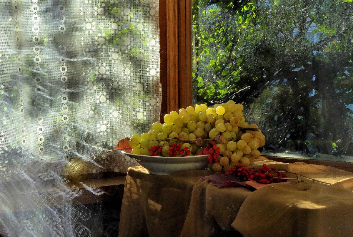 Бабушке своими, открытки скоро осень за окнами август гиф