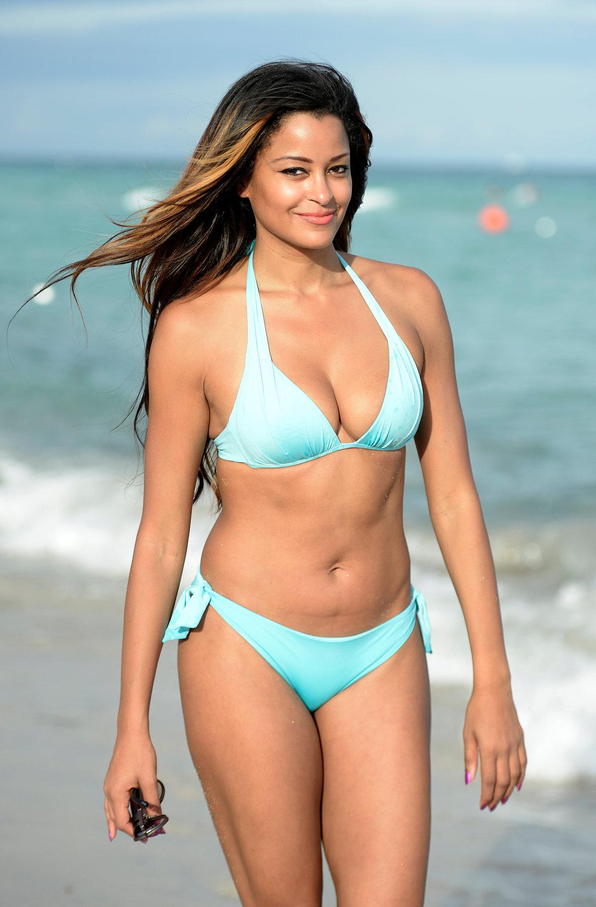 Javine in bikini, very beautiful asian girl nude