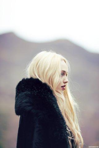 сайте представлена клип девушка блондинка ждала парня накарало