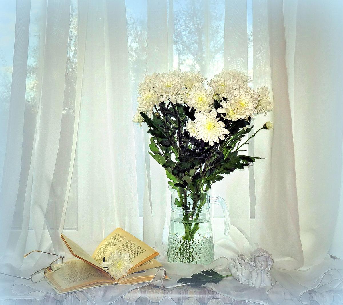 фотографии хризантем в вазе на окне сделать ретушь