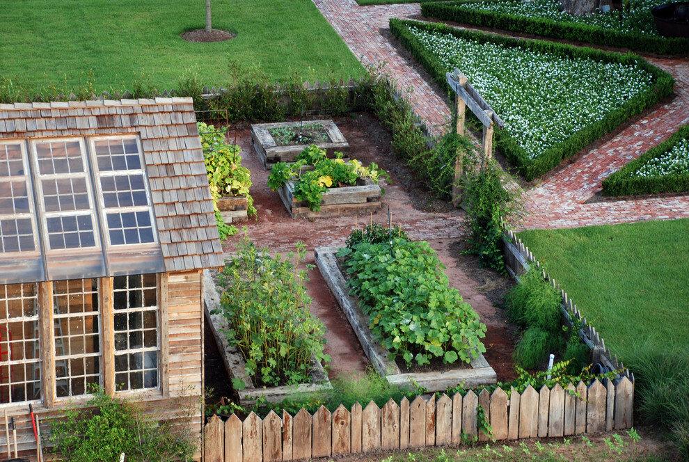 Надписью, картинка дачи с огородом