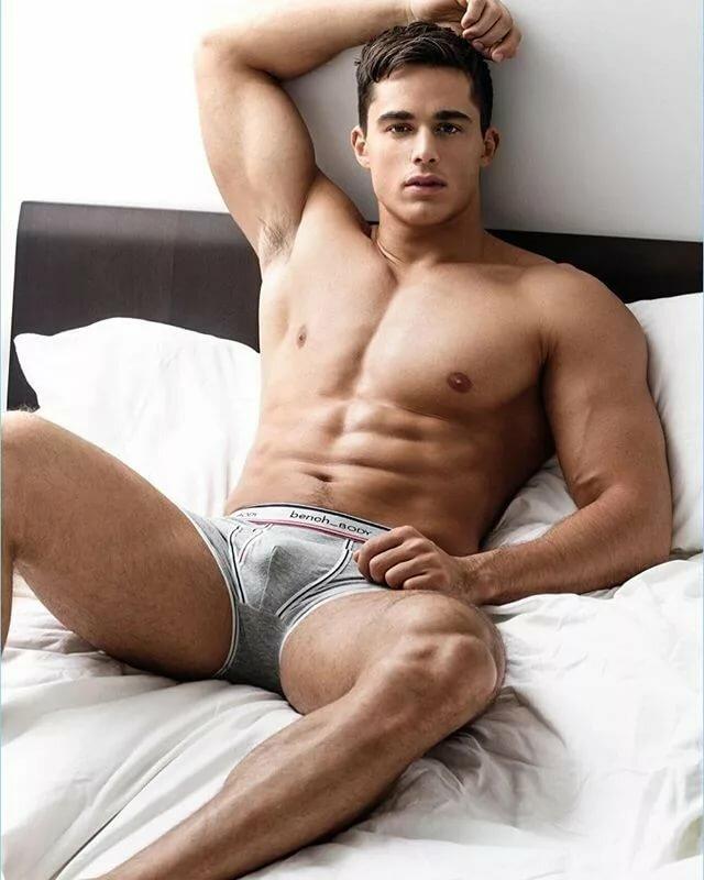 Nude sexy italian men