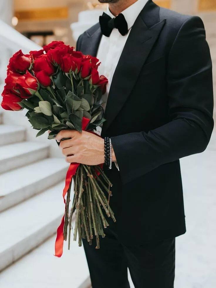 этом красивые букеты в руках мужчин в картинках свеча