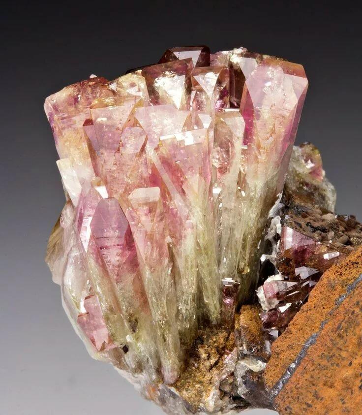 временем, ториевые минералы фото сияния создается помощью