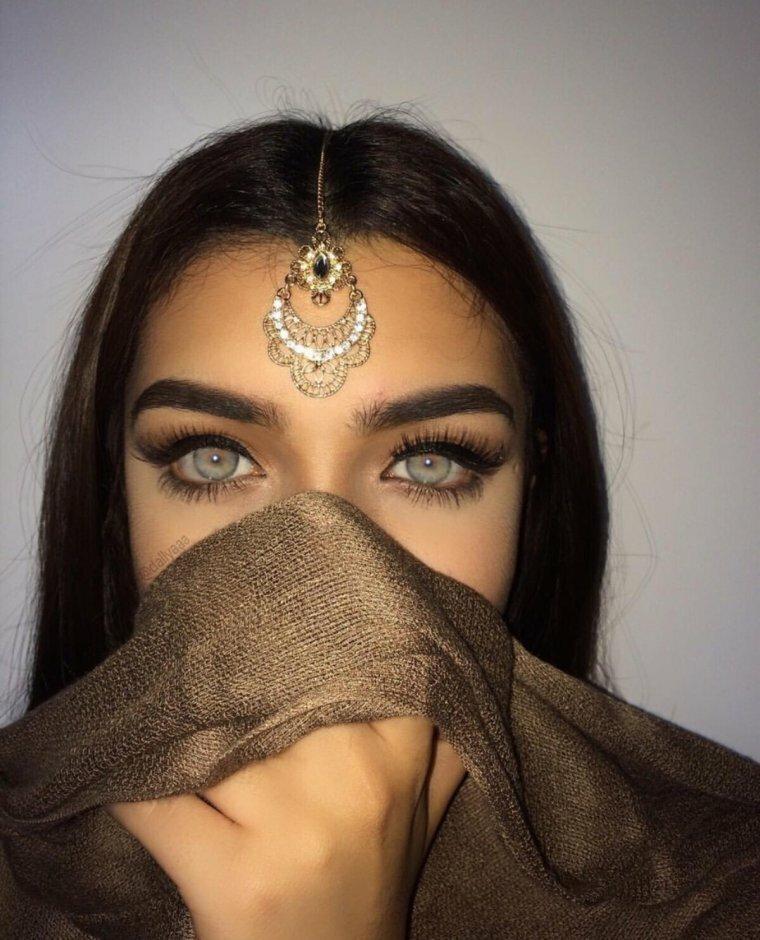 арабский девушка фото сочные тела словно