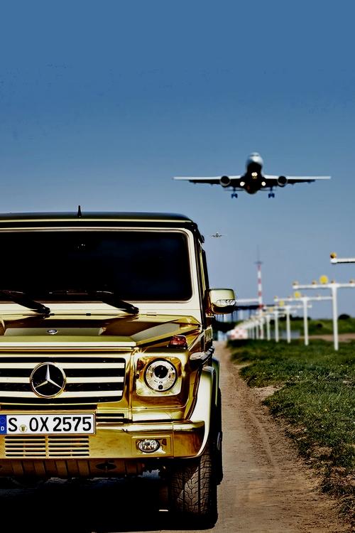 картинка гелендваген с самолетом это самый