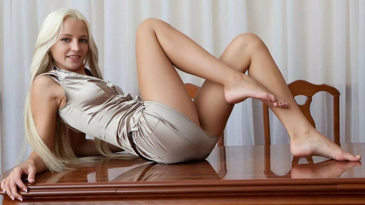 Негритянку трахает женщины раздвигают ноги эро фото русская