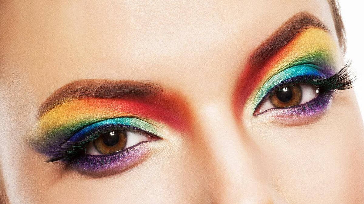 картинки красивых глаз с макияжем скориков